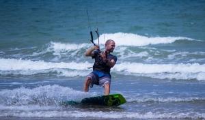 Kite surfer 3 (1280x751)